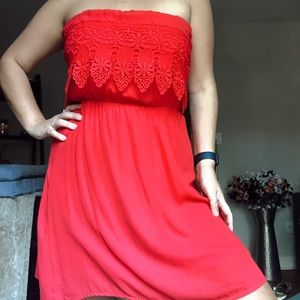 Lace red strapless dress